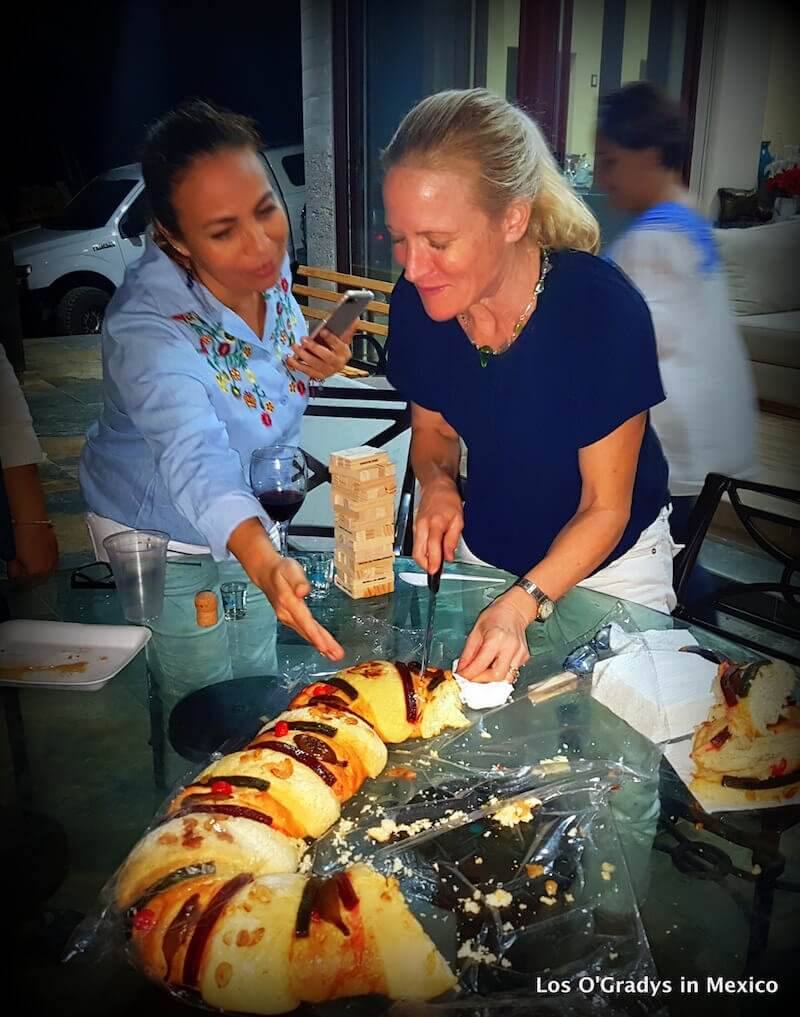 Getting my Rosca de Reyes Lesson!